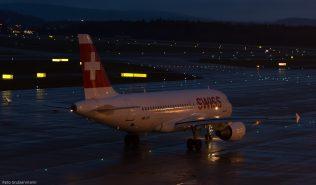 Swiss_A319_HB-IPY_ZRH160129