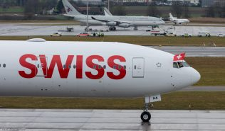 Swiss_B77W_HB-JNA_ZRH160129_12