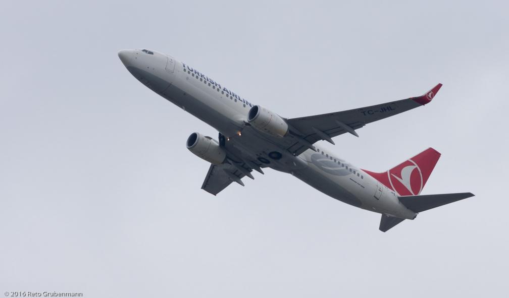 TurkishAirlines_B738_TC-JHL_ZRH160313