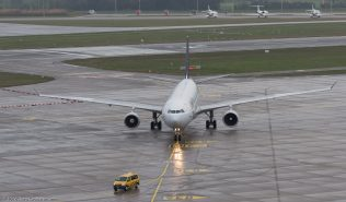 BrusselsAirlines_A333_OO-SFV_ZRH160326_01