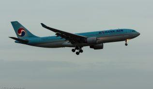 KoreanAir_A332_HL8211_ZRH160331