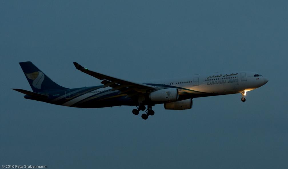 OmanAir_A333_A4O-DD_ZRH160331