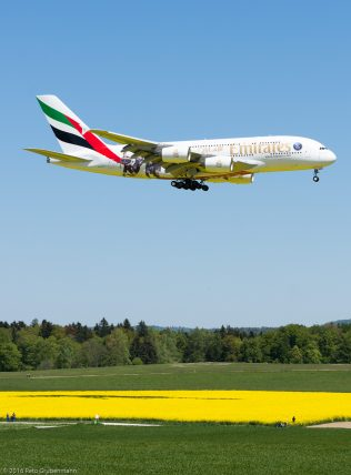 Emirates_A388_A6-EOT_ZRH160505_01
