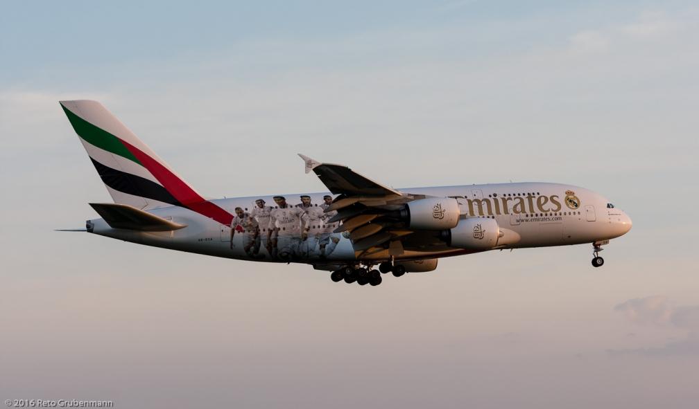 Emirates_A388_A6-EOA_ZRH160507