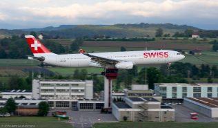 Swiss_A333_HB-JHE_ZRH160531
