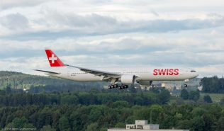 Swiss_B77W_HB-JND_ZRH160531_02