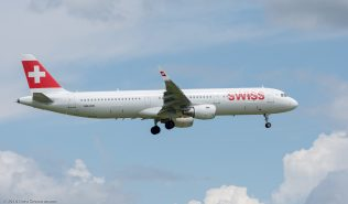 Swiss_A321_HB-IOO_ZRH160601