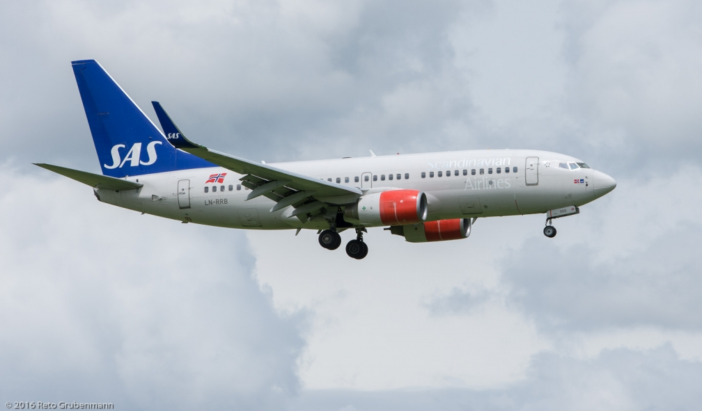 ScandinavianAirlines_B737_LN-RRB_ZRH160601