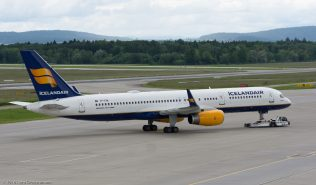 Icelandair_B752_TF-FIN_ZRH160604