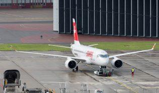BombardierInc_BCS1_C-GWXZ_ZRH160605_01