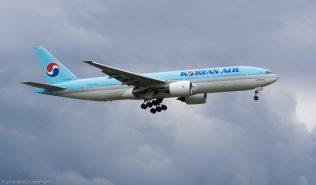 KoreanAir_B772_HL7530_ZRH160614