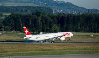 Swiss_B77W_HB-JNE_ZRH160623_02