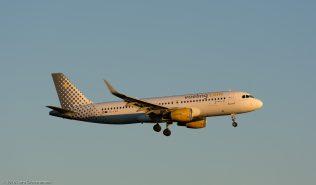 VuelingAirlines_A320_EC-LVU_ZRH160623