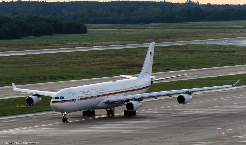 Bundeswehr_A343_16+01_CGN140818_01