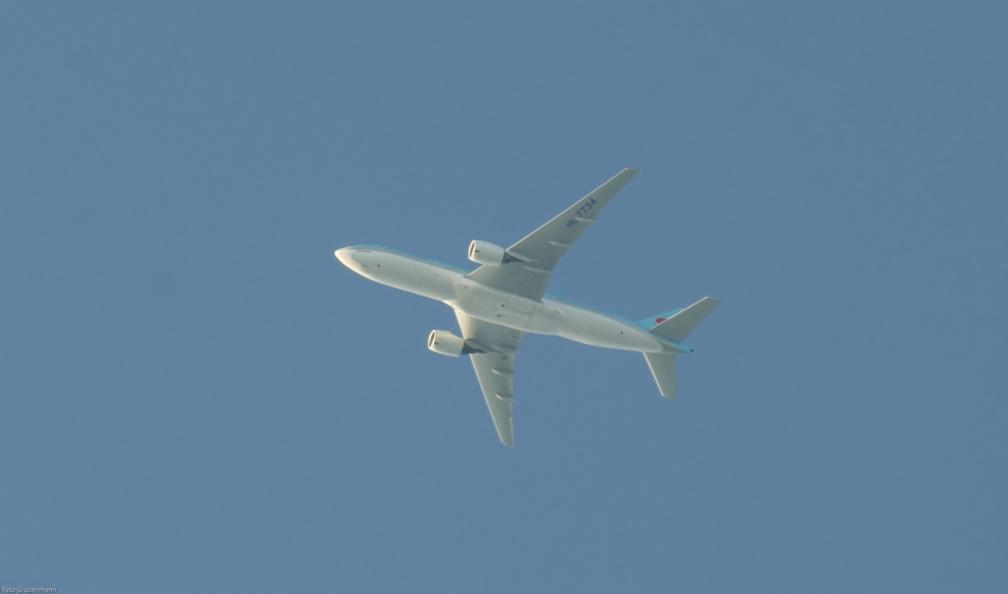 KoreanAir_B772_HL7734_130727