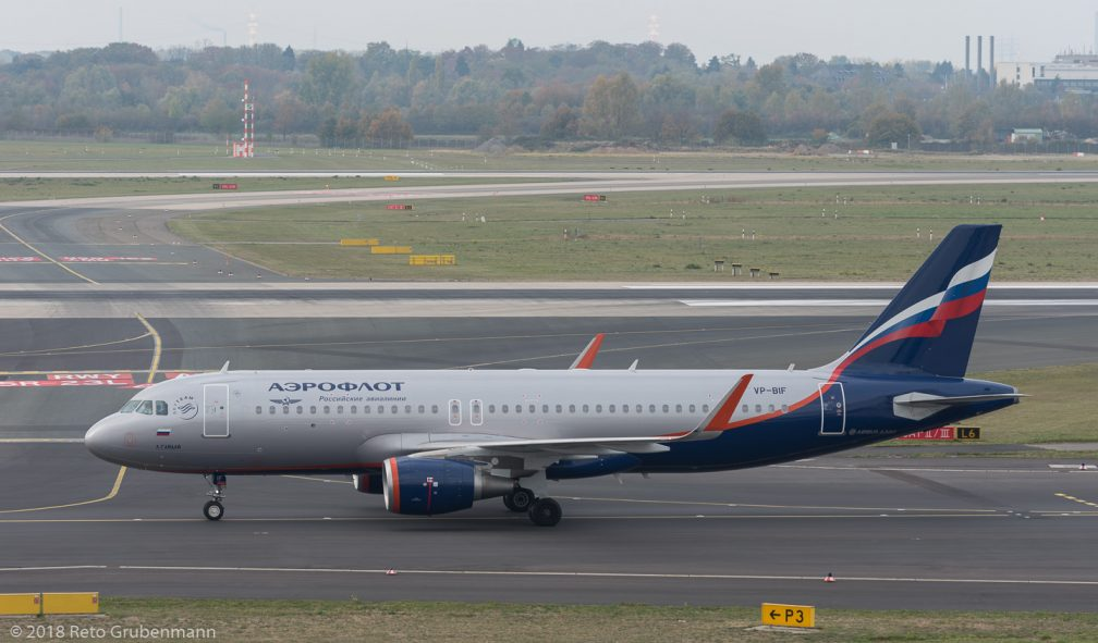 Aeroflot_A320_VP-BIF_DUS181019_01