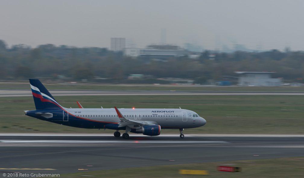 Aeroflot_A320_VP-BIF_DUS181019_02