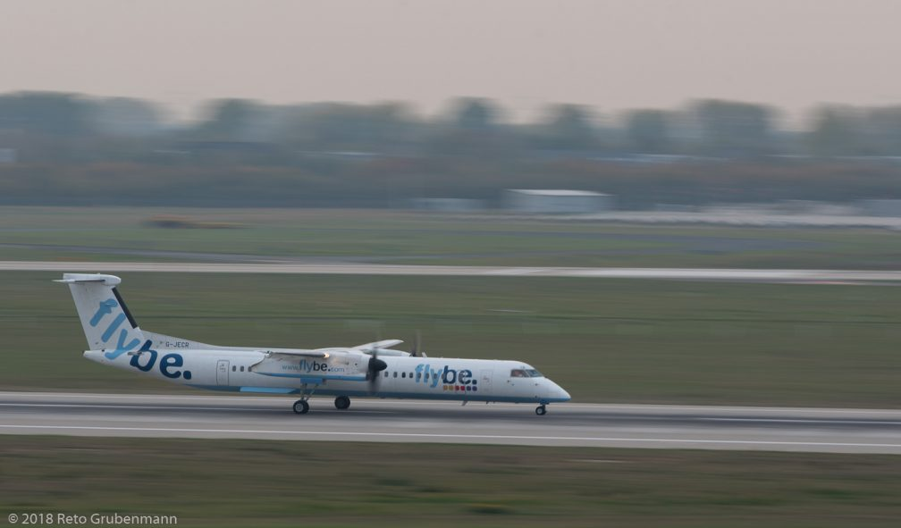 FlyBe_DH8D_G-JECR_DUS181019_02