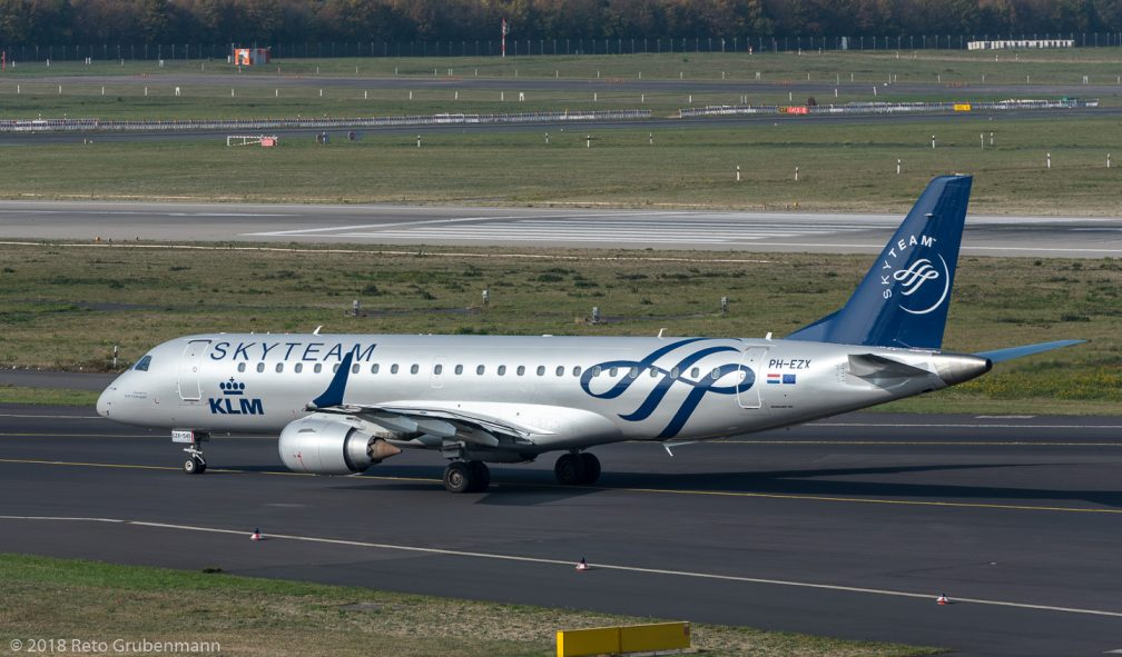 KLM_E190_PH-EZX_DUS181019_02