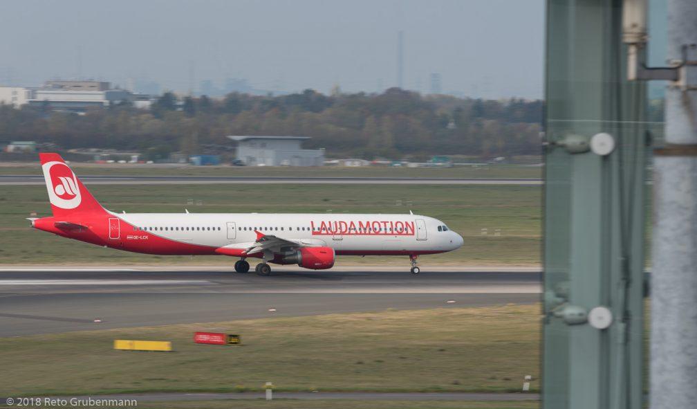 LaudaMotion_A321_OE-LCK_DUS181019_02