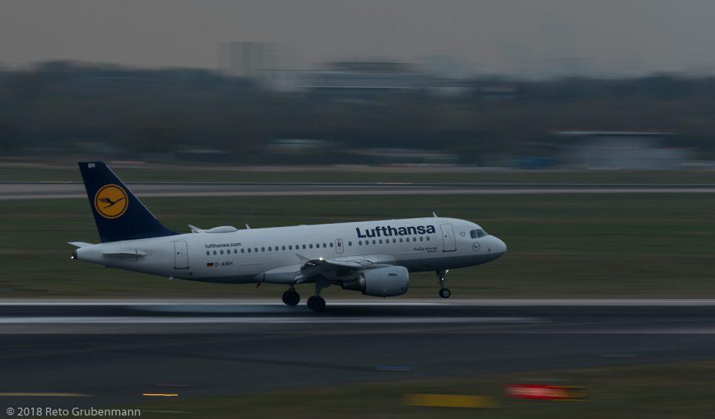 Lufthansa_A319_D-AIBH_DUS181019