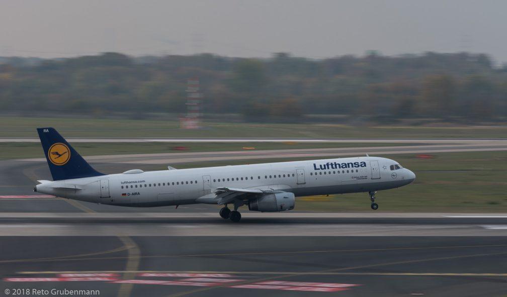 Lufthansa_A321_D-AIRA_DUS181019
