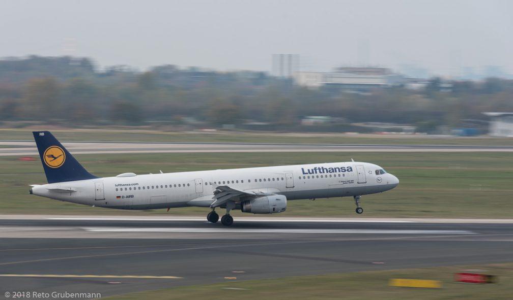 Lufthansa_A321_D-AIRB_DUS181019_01