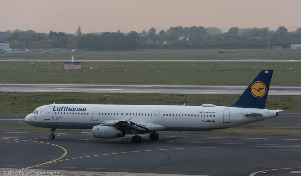 Lufthansa_A321_D-AIRB_DUS181019_02