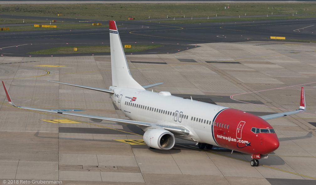 Norwegian_B738_EI-FHL_DUS181019_01