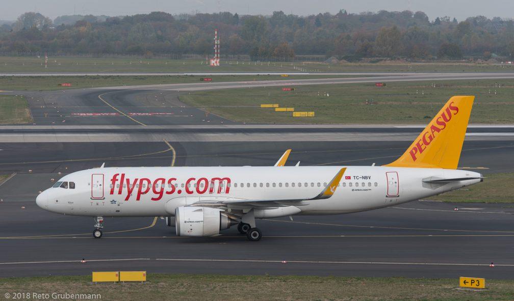 PegasusAirlines_A20N_TC-NBV_DUS181019_01