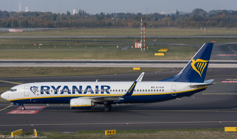 Ryanair_B738_EI-GJG_DUS181019