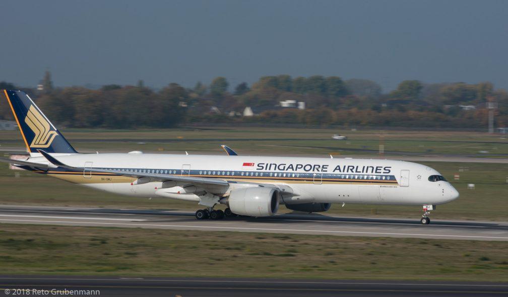 SingaporeAirlines_A359_9V-SMJ_DUS181019