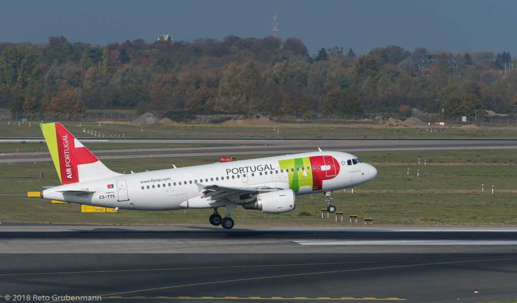 TAPPortugal_A319_CS-TTS_DUS181019_01