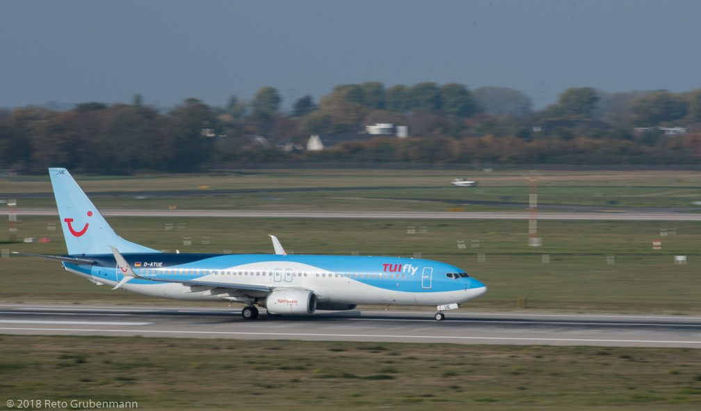 TUIFly_B738_D-ATUE_DUS181019_02