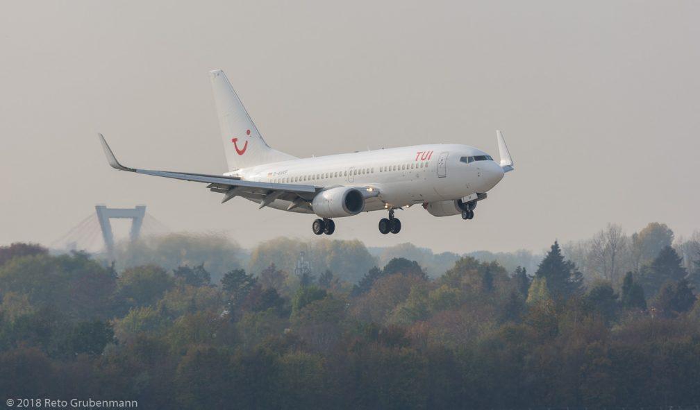 TUIfly_B737_D-AHXF_DUS181019_01