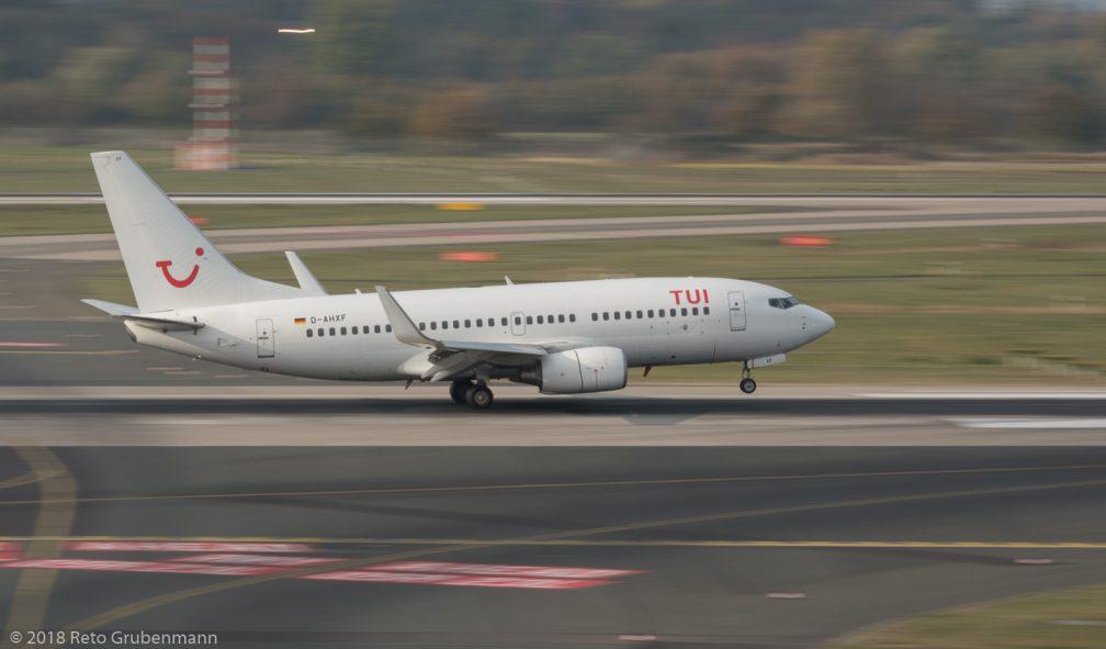 TUIfly_B737_D-AHXF_DUS181019_02