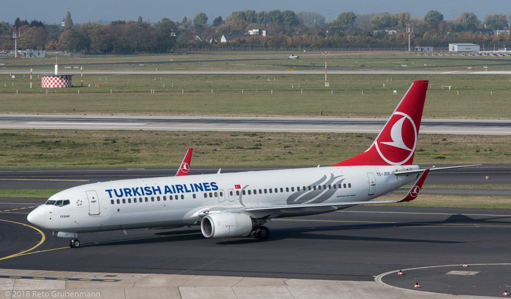 TurkishAirlines_B738_TC-JV_DUS181019