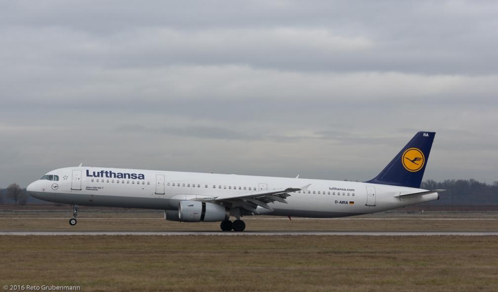 Lufthansa_A321_D-AIRA_STR161209