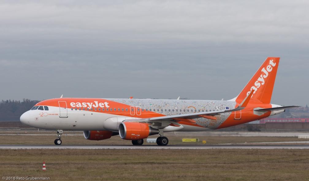 easyJet_A320_G-EZOX_STR161209_02