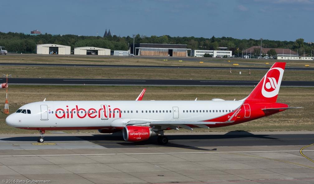 AirBerlin_A321_D-ABCL_TXL160915