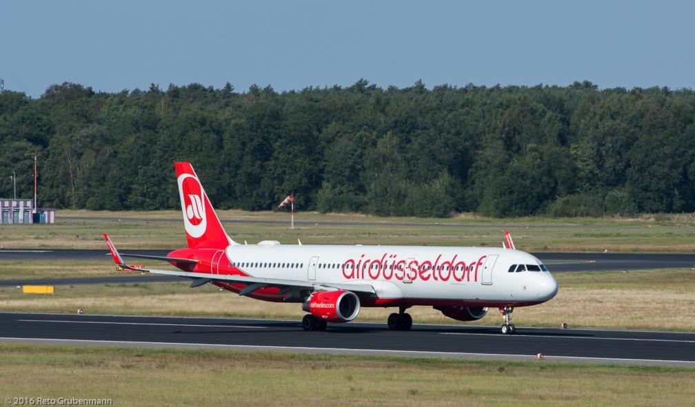 AirBerlin_A321_D-ABCO_TXL160915_01