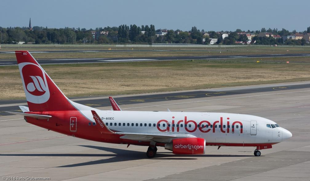 AirBerlin_B737_D-AGEC_TXL160915_01