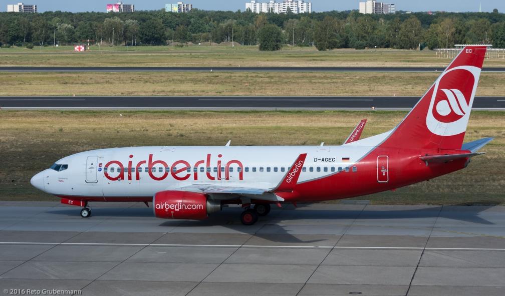 AirBerlin_B737_D-AGEC_TXL160915_02
