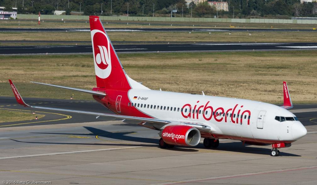 AirBerlin_B737_D-AHXF_TXL160915