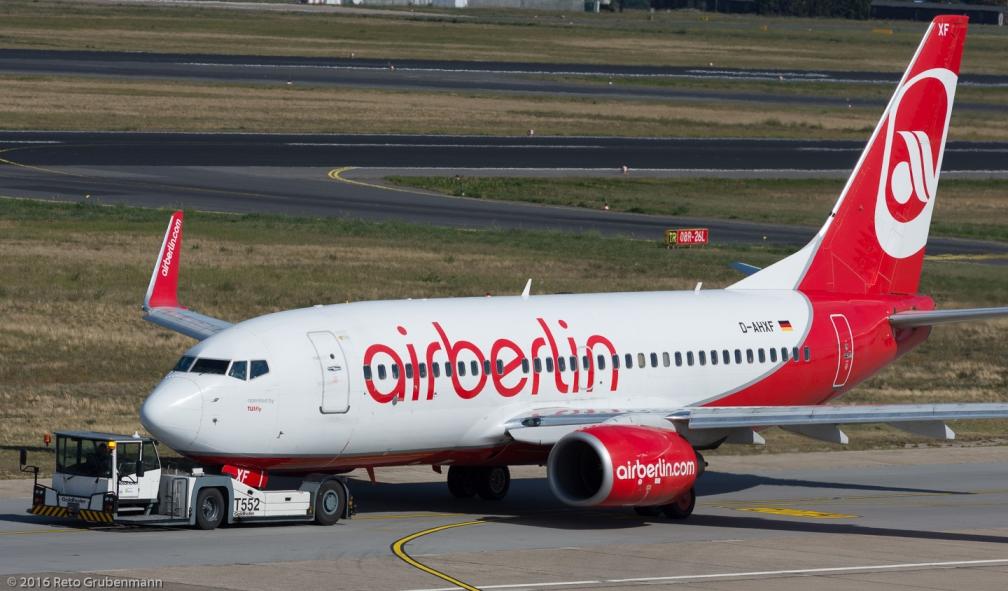 AirBerlin_B737_D-AHXF_TXL160915_01