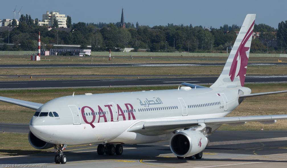 QatarAirways_A332_A7-ACH_TXL160915_03
