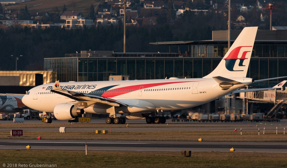 MalaysiaAirlines_A332_9M-MTV_ZRH180323_02