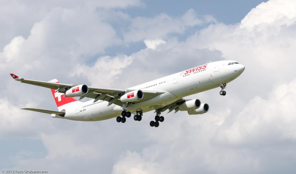 Swiss_A343_HB-JMA_ZRH120810