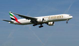 Emirates_B773_A6-ENE_ZRH130924_02
