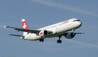 Swiss_A321_HB-IOL_ZRH130924